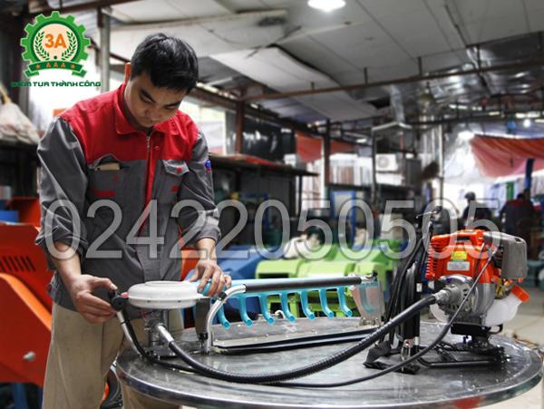 Sử dụng máy hái chè 3A sẽ tiết kiệm được chi phí thuê nhân công