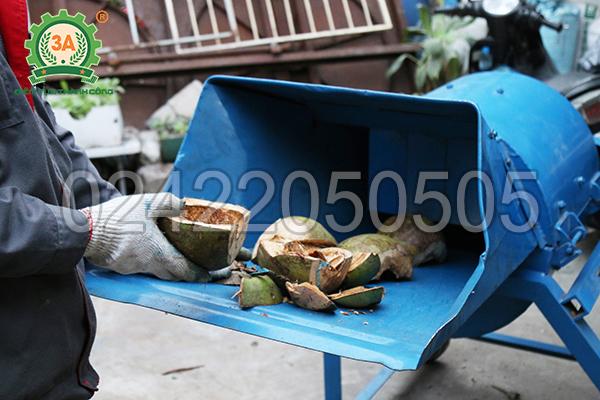 Nguyên liệu vỏ dừa của máy nghiền bèo, rơm, cỏ 3A11Kw