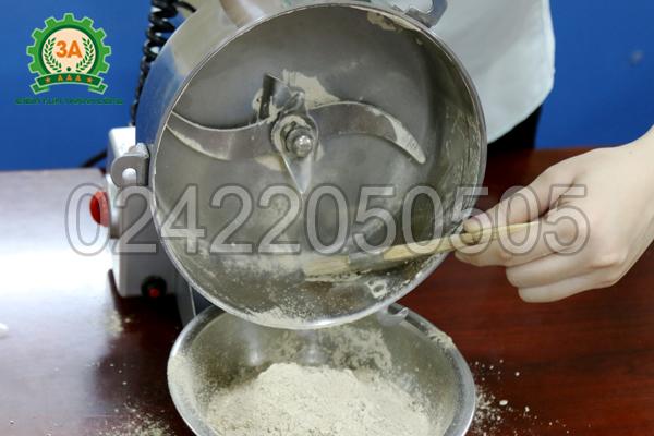 Máy xay nghiền thuốc bắc 3A1Kg thu sản phẩm dễ dàng