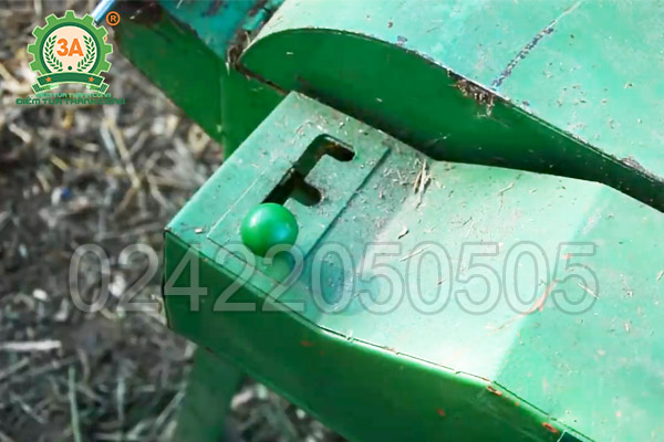 Máy băm thân cây ngô, cỏ voi 3A2,2Kw (12)