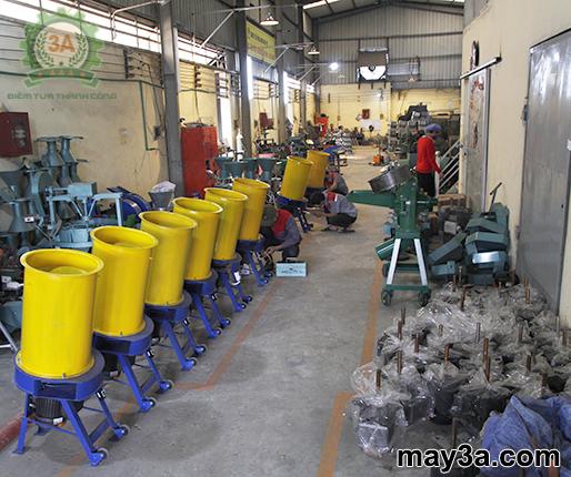 Lô hàng Máy băm rơm,xơ dừa, cỏ voi 3A3Kw tại xưởng sản xuất của Công ty CPĐT Tuấn Tú