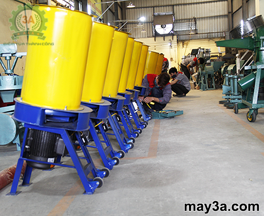 Máy băm rơm, xơ dừa, cỏ voi 3A3Kw chuẩn bị xuất xưởng