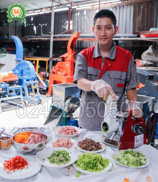 Sở hữu máy xay thịt, nạo rau củ 3A400W giúp bạn sáng tạo các món ăn ngon