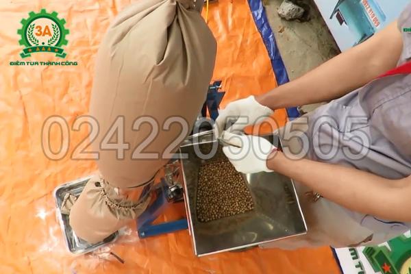 Nghiền bột khô dễ dàng với Máy nghiền bột 3A3Kw