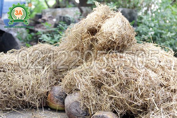 Rơm rạ là nguyên liệu của máy nghiền vỏ dừa, gỗ tạp 3A24Hp