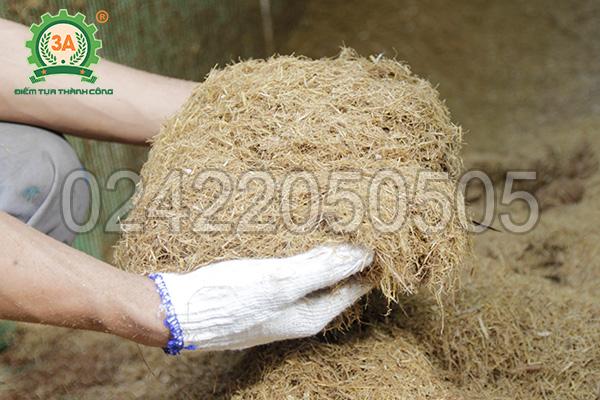 Rơm rạ sau khi được nghiền bằng máy nghiền vỏ dừa, gỗ tạp 3A24Hp