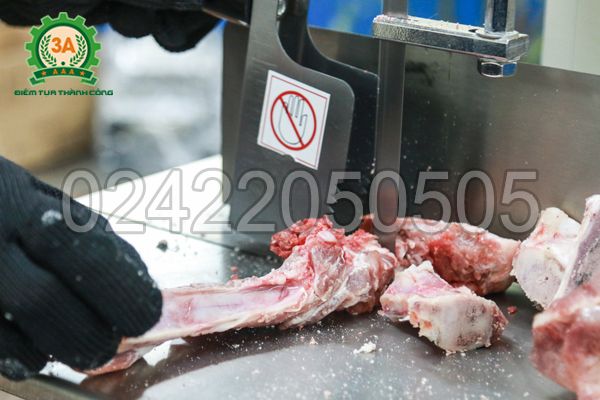Máy cưa xương 3A1,1Kw có khả năng cắt lát xương đều, đẹp