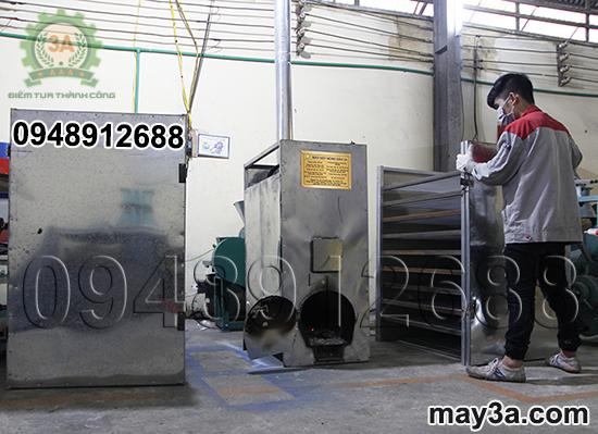 Tách các khoang sấy của Máy sấy nông sản 3A để vệ sinh