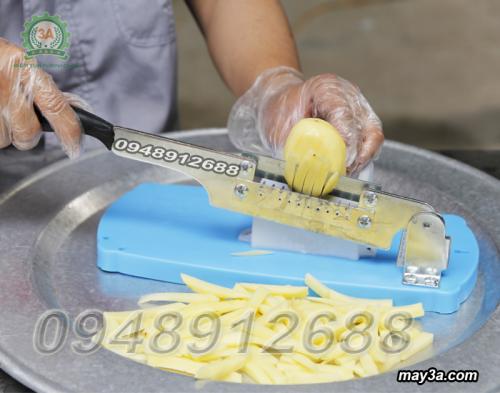 Khoai tây được cắt bằng Dụng cụ cắt khai tây vuông 3AD1