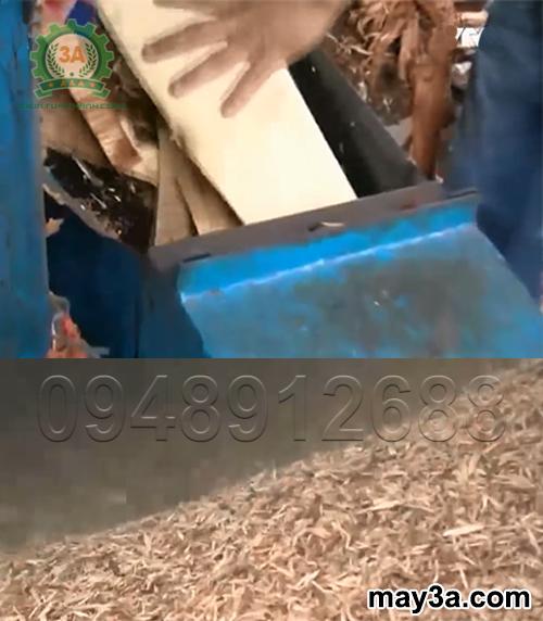 Ván bóc được băm nhỏ thành dăm gỗ bằng Máy băm ván bóc 3A22Kw