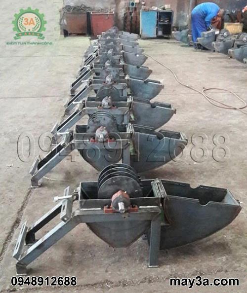 Máy băm ván bóc 3A trong quá trình sản xuất