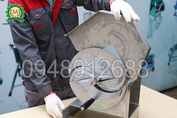 Dụng cụ được làm từ chất liệu inox