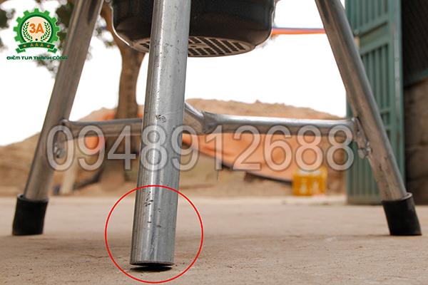 Máy băm nghiền đa năng 3A có an toàn không? - 1 chân đế không lắp cao su nhằm tiếp mát cho máy