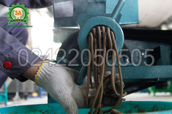 Máy ép cám viên nổi 3A7,5Kw (cấp liệu bán tự động) ép được cám thường