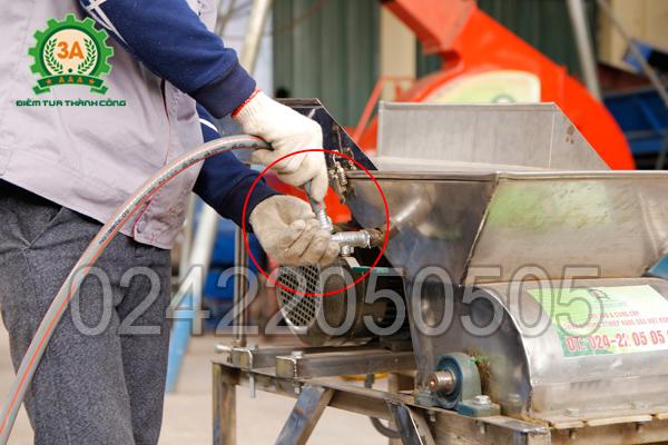 Hệ thống ống dẫn nước thông minh của máy nghiền nghệ 3A3Kw (Inox)