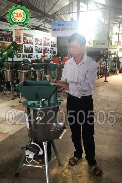 Anh Lò Văn Sinh đã lựa chọn Máy băm nghiền đa năng 3A2,2Kw (phễu vuông)
