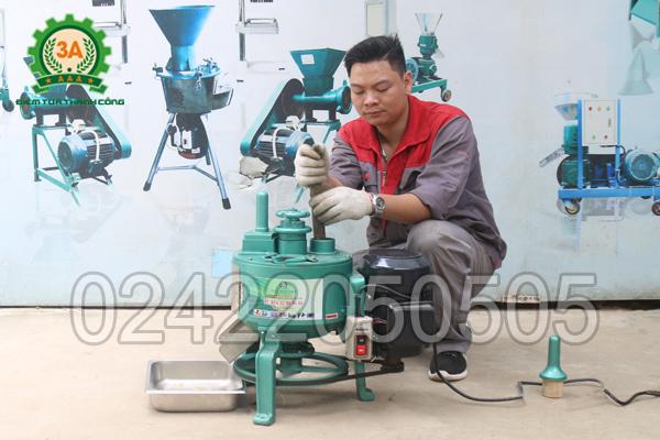 Máy thái cây thuốc 3A750W có thiết kế hiện đại, nhỏ gọn, tiện lợi