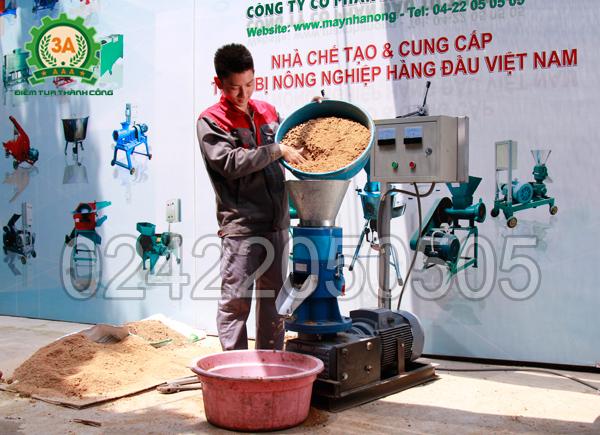 Máy ép gỗ viên 3A7,5 KW – sản phẩm của công ty CPĐT Tuấn Tú