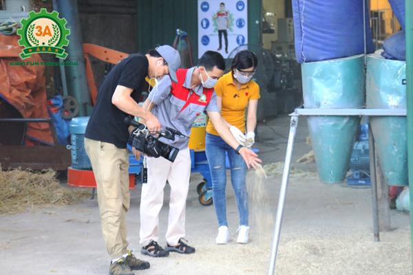 Nhà sáng chế Nguyễn Hải Châu cùng đồng hành trong chương trình nông dân khởi nghiệp trên kênh VTC2 (7)