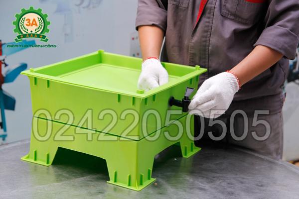 Khay nuôi giun quế 3A đã được lắp vòi nước