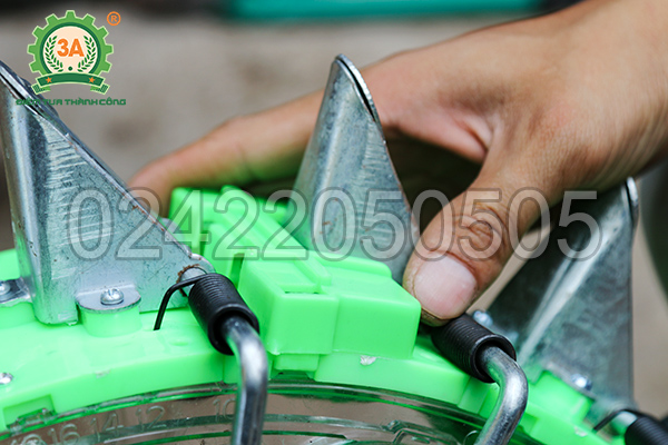 Dụng cụ gieo hạt 3A điều chỉnh được độ sâu gieo hạt