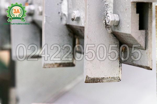 Dao hành trình của máy cắt cá đông lạnh 3A3Kw