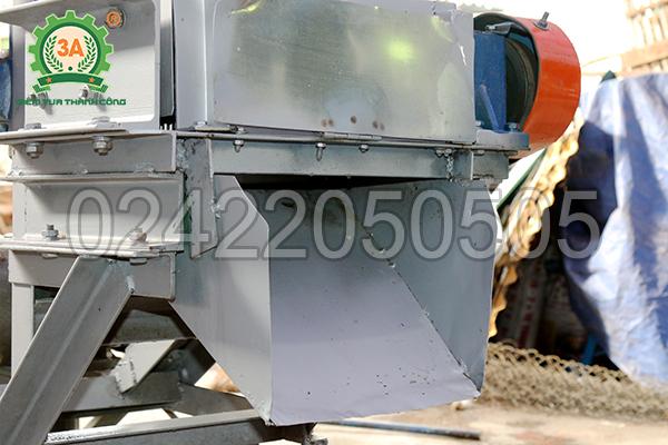 Máy cắt cá đông lạnh 3A3Kw có chât liệu là thép V