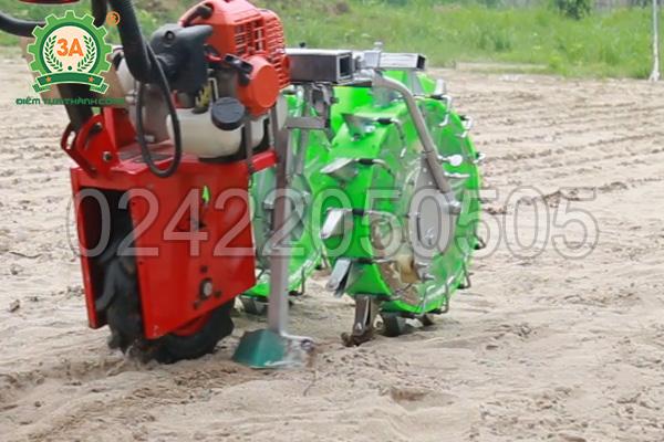 Tính năng lấp đất của máy gieo hạt đa năng 3A
