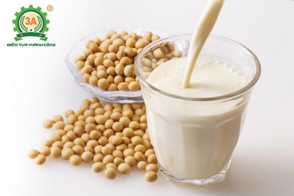 Uống sữa đậu nành vào lúc nào là tốt nhất? - Uống tối đa 500ml sữa đậu 1 ngày