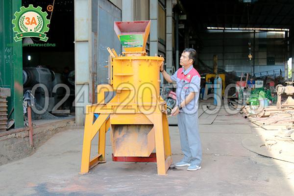 Nhà sáng chế Nguyễn Hải Châu và chiếc Máy nghiền đá thành cát 3A37Kw