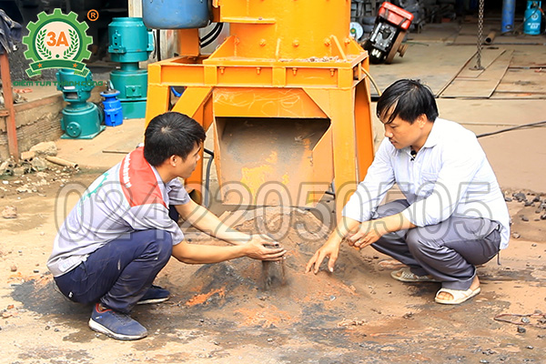 Khách hàng mua máy nghiền đá thành cát 3A37Kw