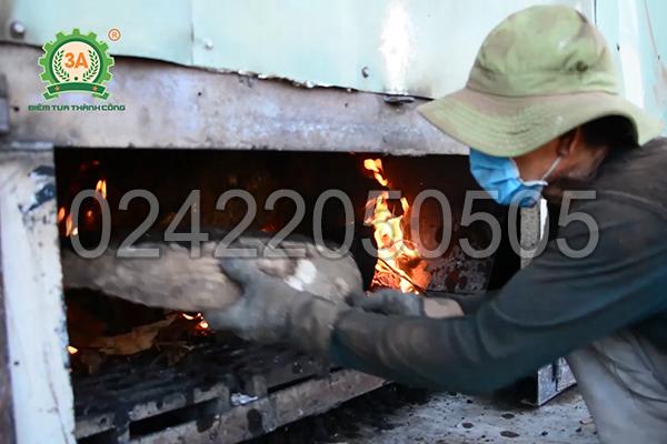 Sử dụng củi đốt cấp nhiệt cho máy sấy mùn cưa 3A