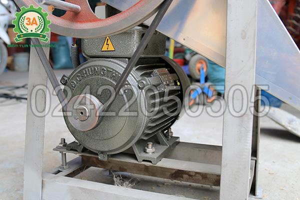 Động cơ của máy thái cá inox 3A2,2Kw