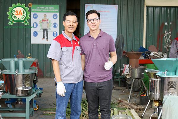 """Chân dung nhà sáng chế """"hai lúa"""" Nguyễn Hải Châu (bên trái)"""
