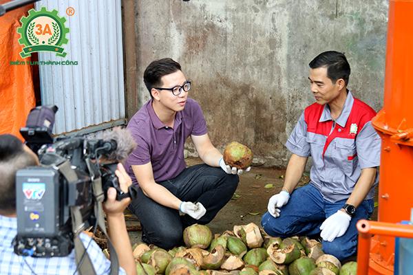 Sản phẩm của 3A dễ dàng biến vỏ dừa bỏ đi thành xơ dừa hữu ích trong trồng trọt
