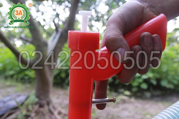 Điều chỉnh cần xả liệu của dụng cụ bón phân 3A