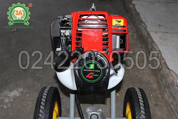 Máy cắt cỏ đẩy tay 3A sử dụng động cơ xăng 4 thì
