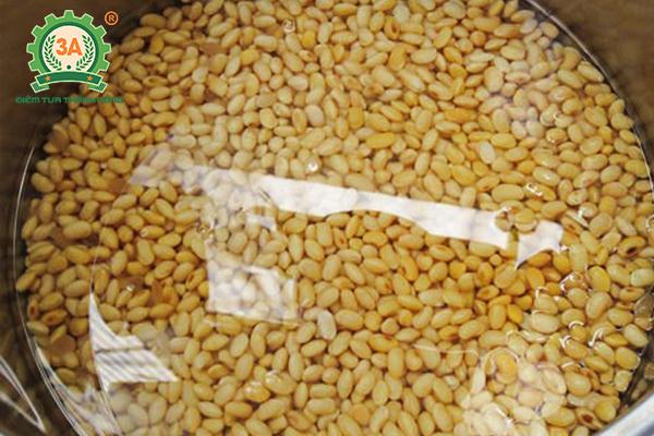 cách nấu sữa đậu nành để bán (03)