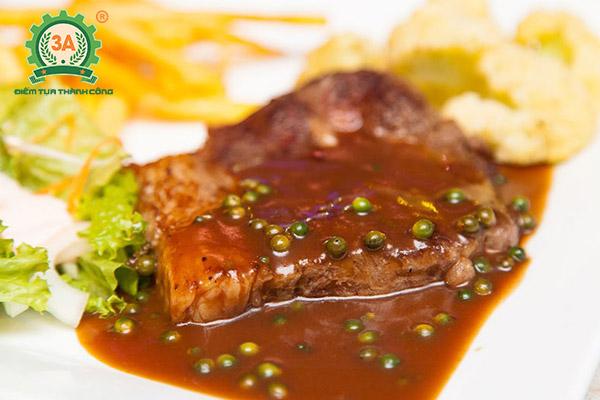 Cách làm nước sốt bò bít tết: Sốt tiêu xanh