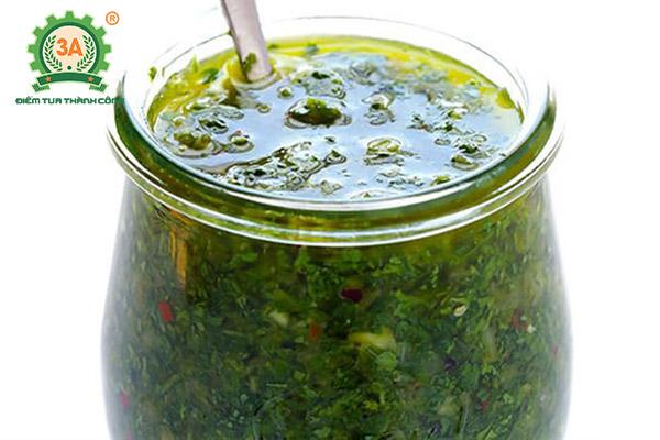 Cách làm nước sốt bò bít tết: Sốt Spicy chimichurri