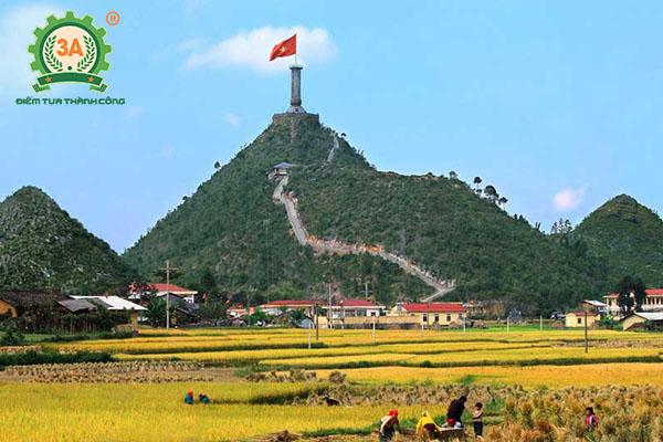 Nhà sáng chế máy nông nghiệp Nguyễn Hải Châu về với bà con Hà GIang (03)