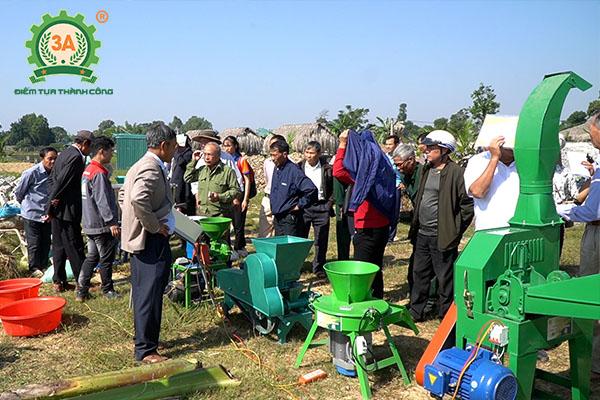 Trình diễn Máy nông nghiệp 3A với bà con nông dân Thanh Hóa