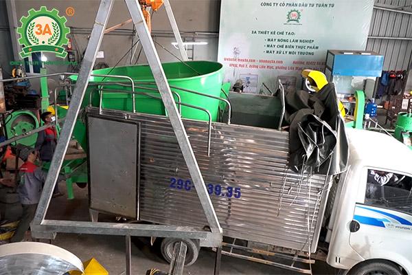 Mô hình nuôi bò sinh sản và bò giống ứng dụng dây chuyền chế biến thức ăn gia súc 3A (03)