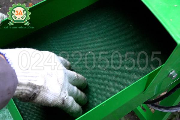 Máy băm cỏ, cây ngô 3A2,2kW có băng tải (08)