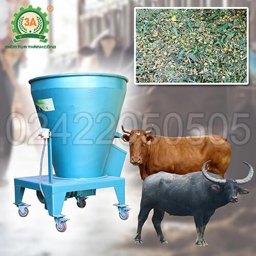 Máy trộn cỏ cho bò 3A3,7kW (01)